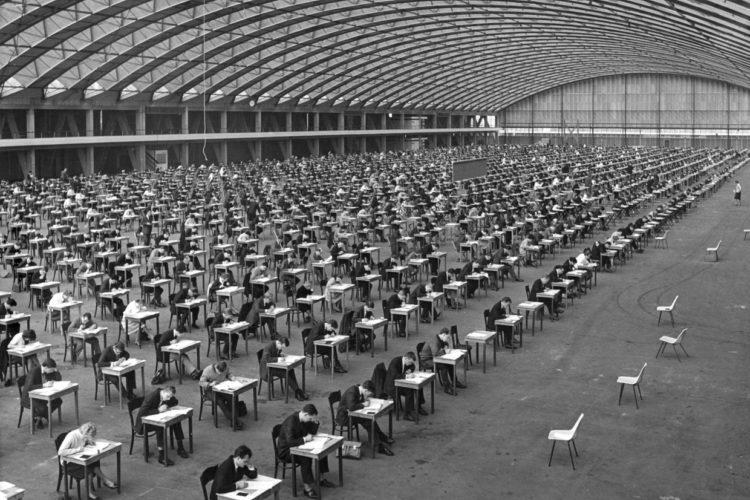 Centrale examens in 1963 in de RAI in Amsterdam. Foto: Nationaal Archief/Collectie Spaarnestad/NFP